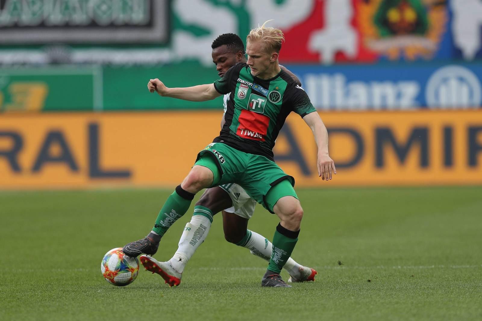 Bryan Henning am Ball für Wacker Innsbruck