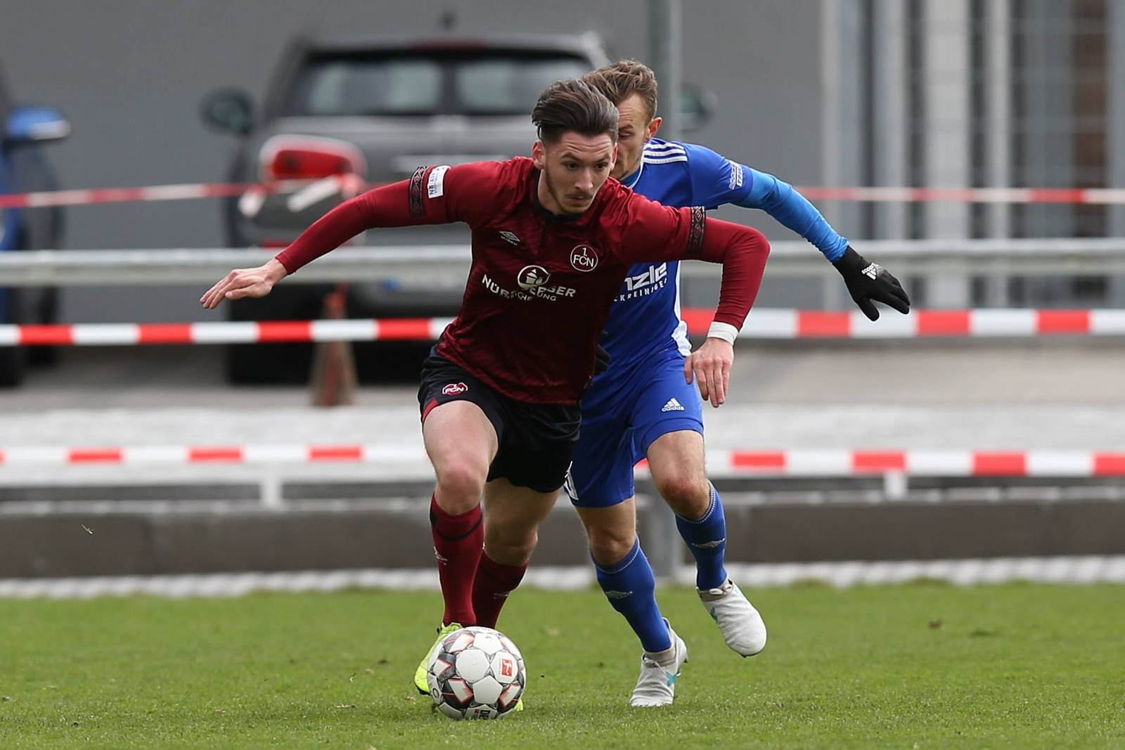 Cedric Euschen am Ball für den 1. FC Nürnberg