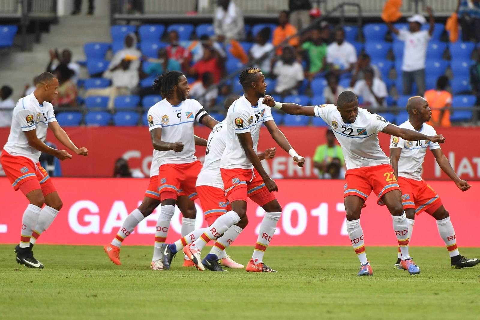 Die Nationalmannschaft der DR Kongo jubelt. Jetzt auf DR Kongo vs Uganda wetten
