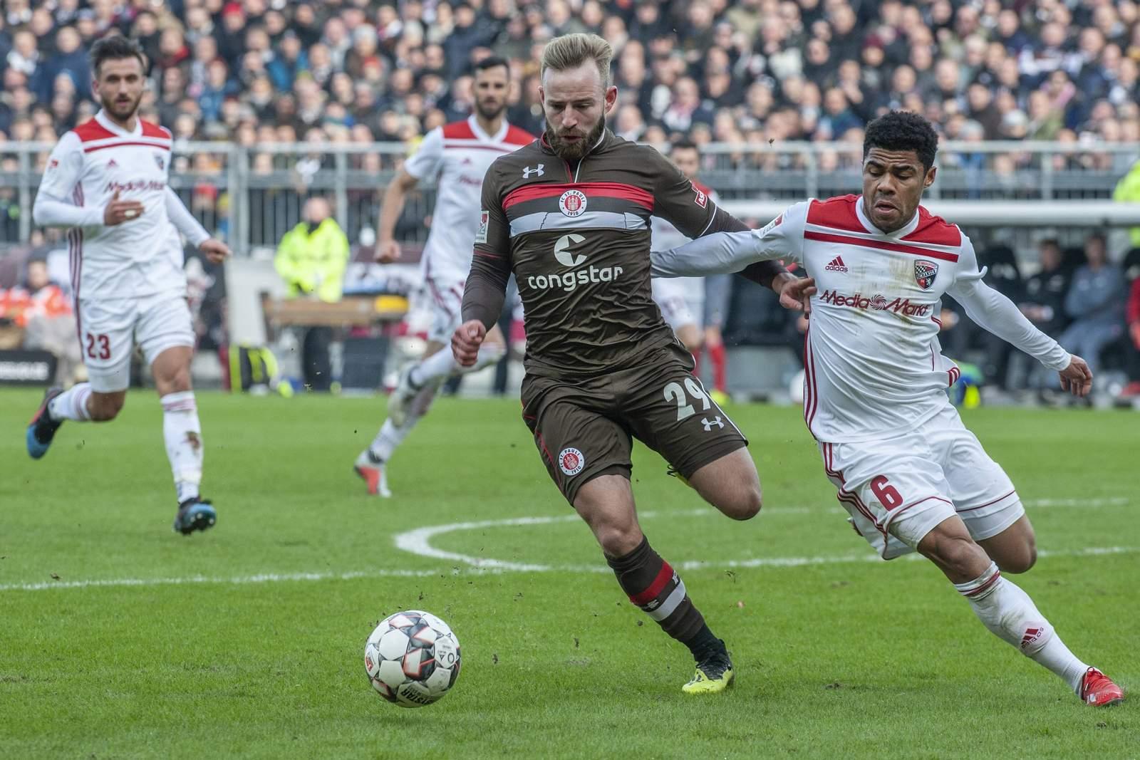 Jan-Marc Schneider (l.) im Spiel gegen Ingolstadt.