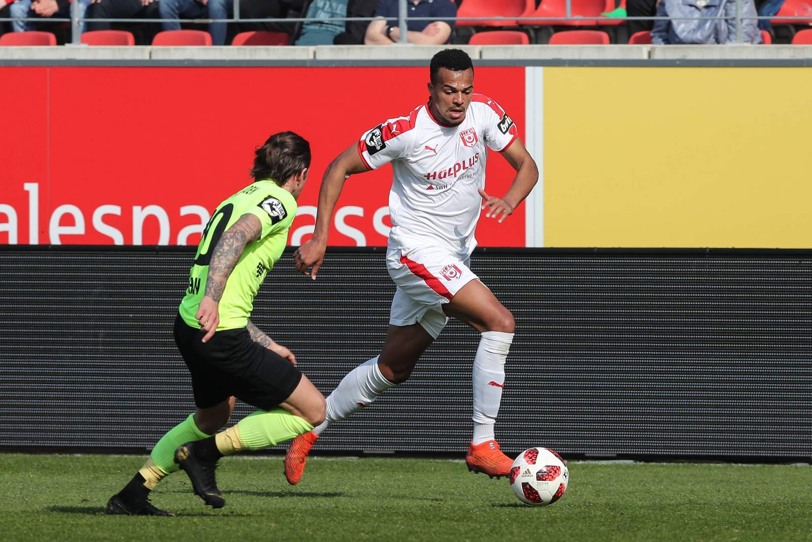 Marvin Ajani für den HFC im Spiel gegen Wehen Wiesbaden
