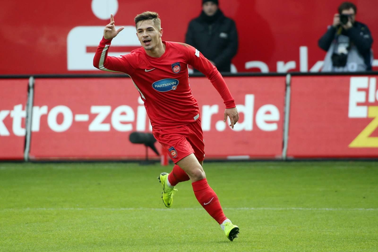 Nikola Dovedan vom 1.FC Heidenheim jubelt nach Tor