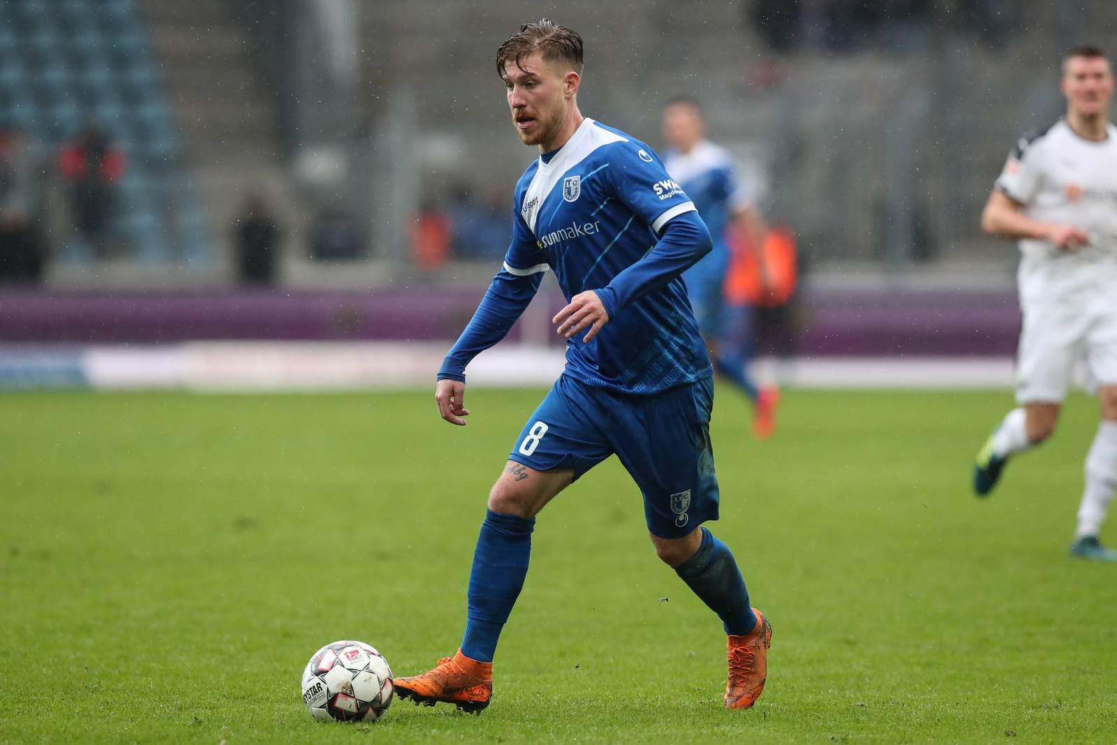 Philip Türpitz am Ball für den 1. FC Magdeburg