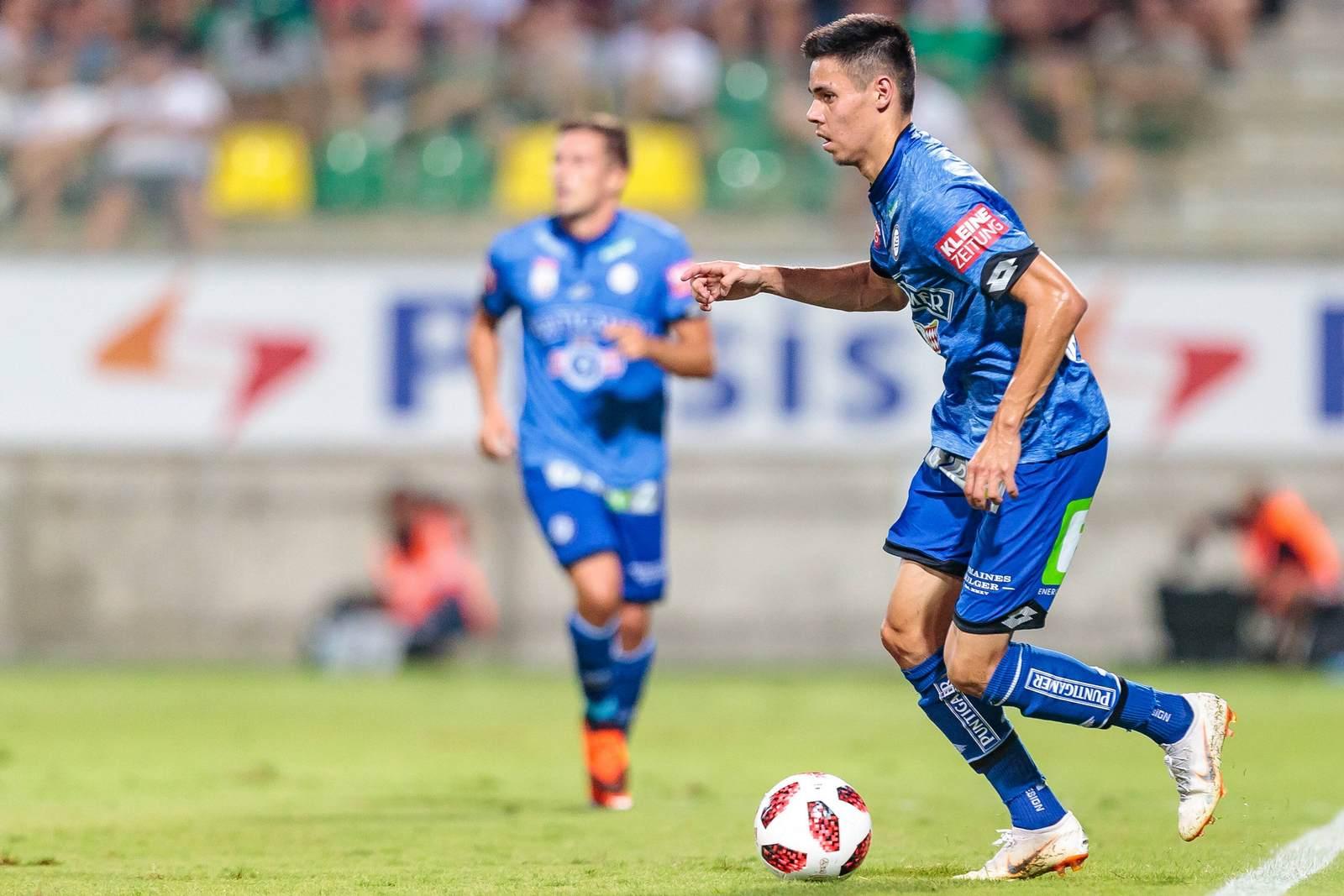 Raphael Obermair am Ball für den SK Sturm Graz