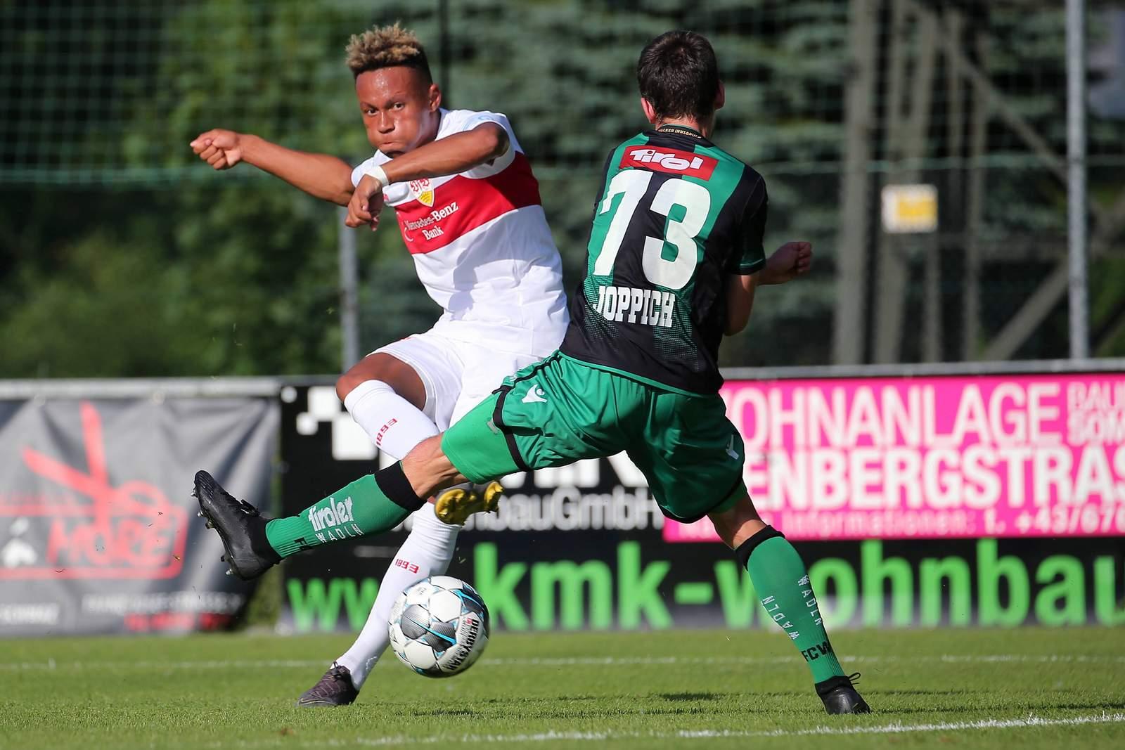 Roberto Massimo erzielt Tor für Stuttgart gegen Innsbruck