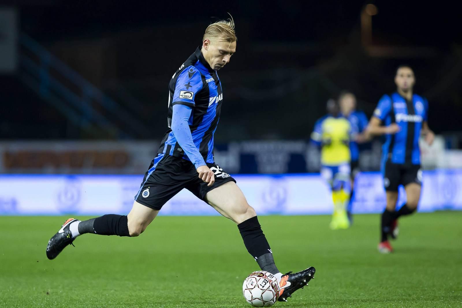 Saulo Decarli am Ball für den FC Brügge.