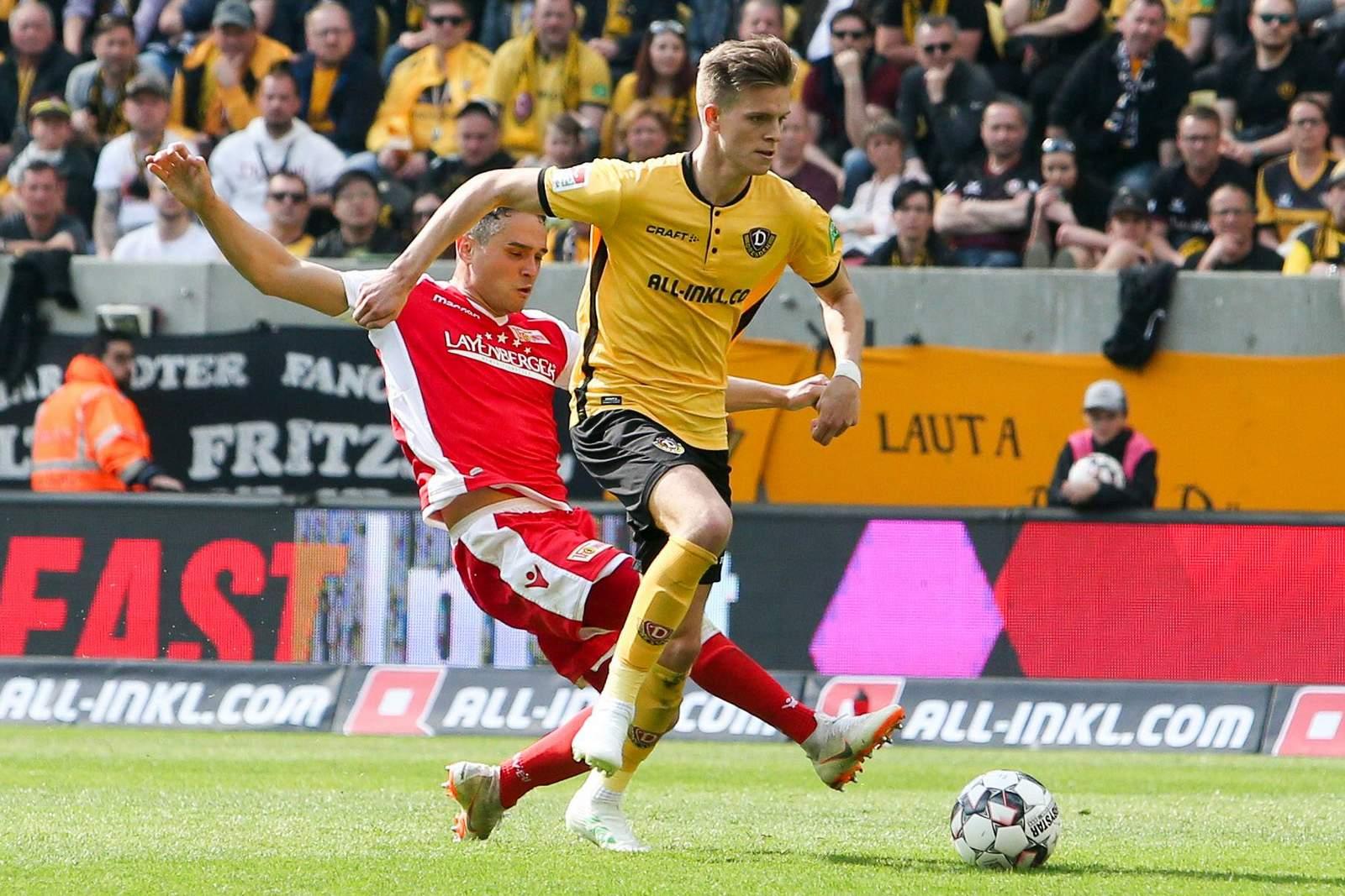 Dzenis Burnic (r.) im Einsatz für Dynamo.