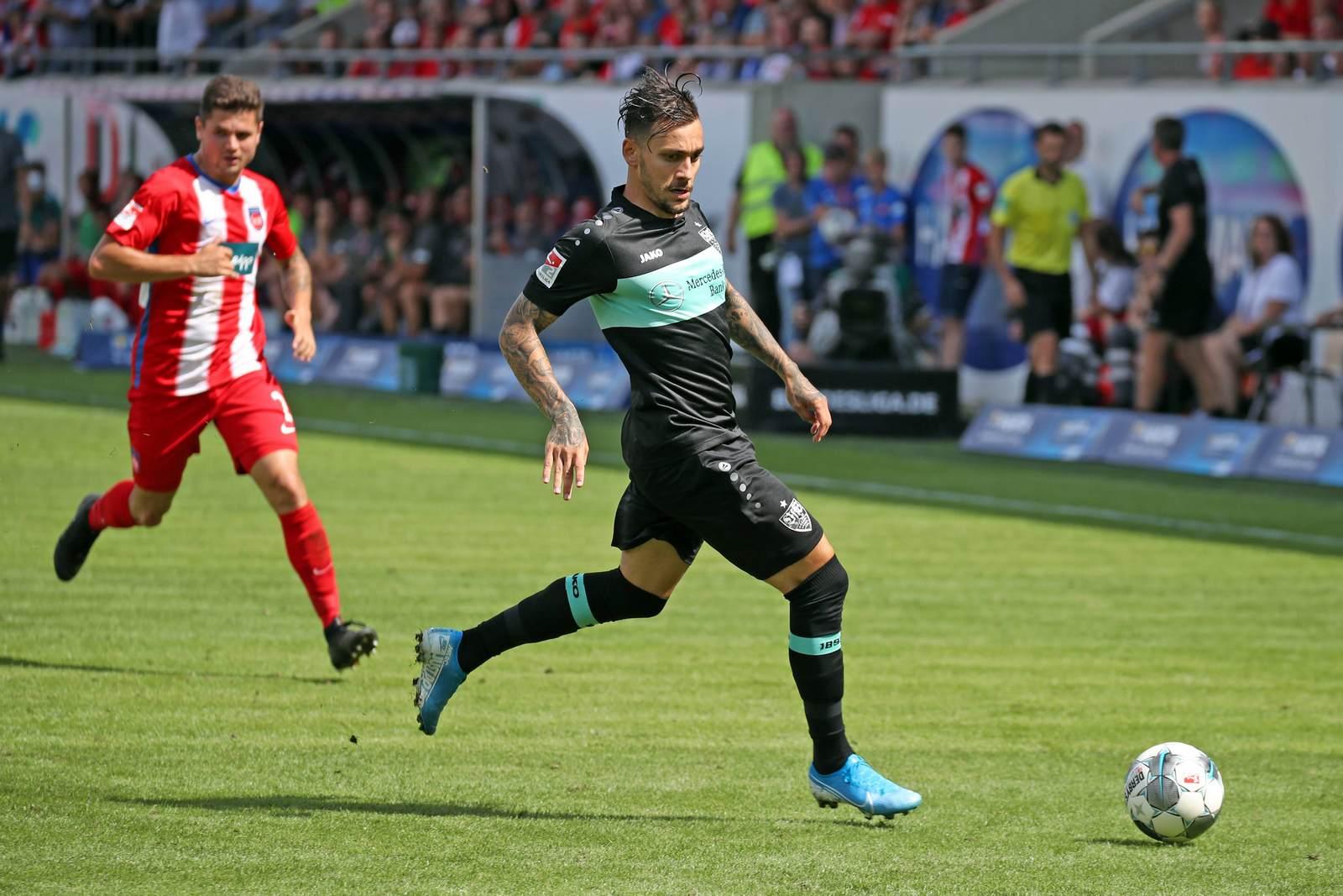 Anastasios Donis am Ball für den VfB Stuttgart