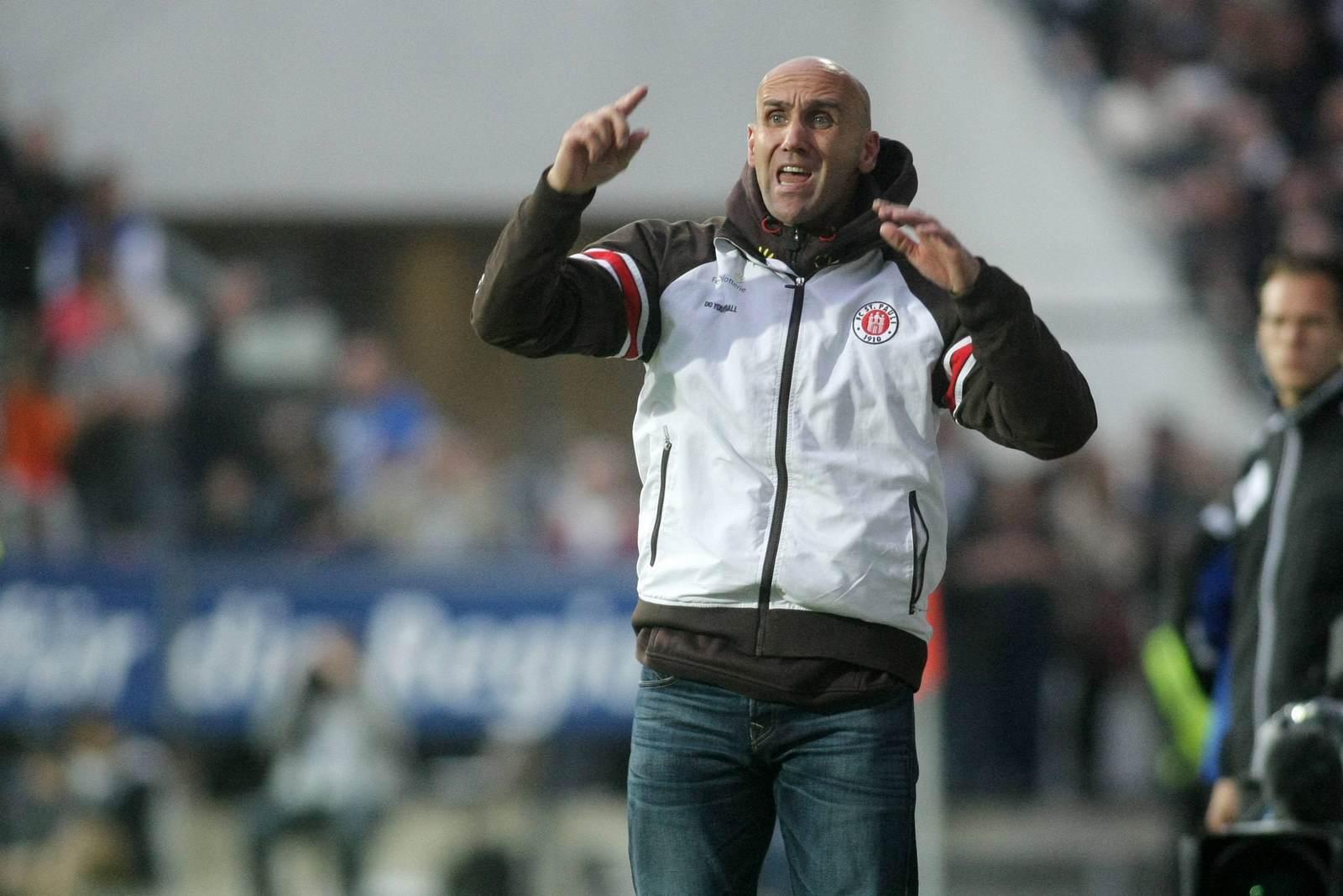 André Schubert als Trainer des FC St Pauli