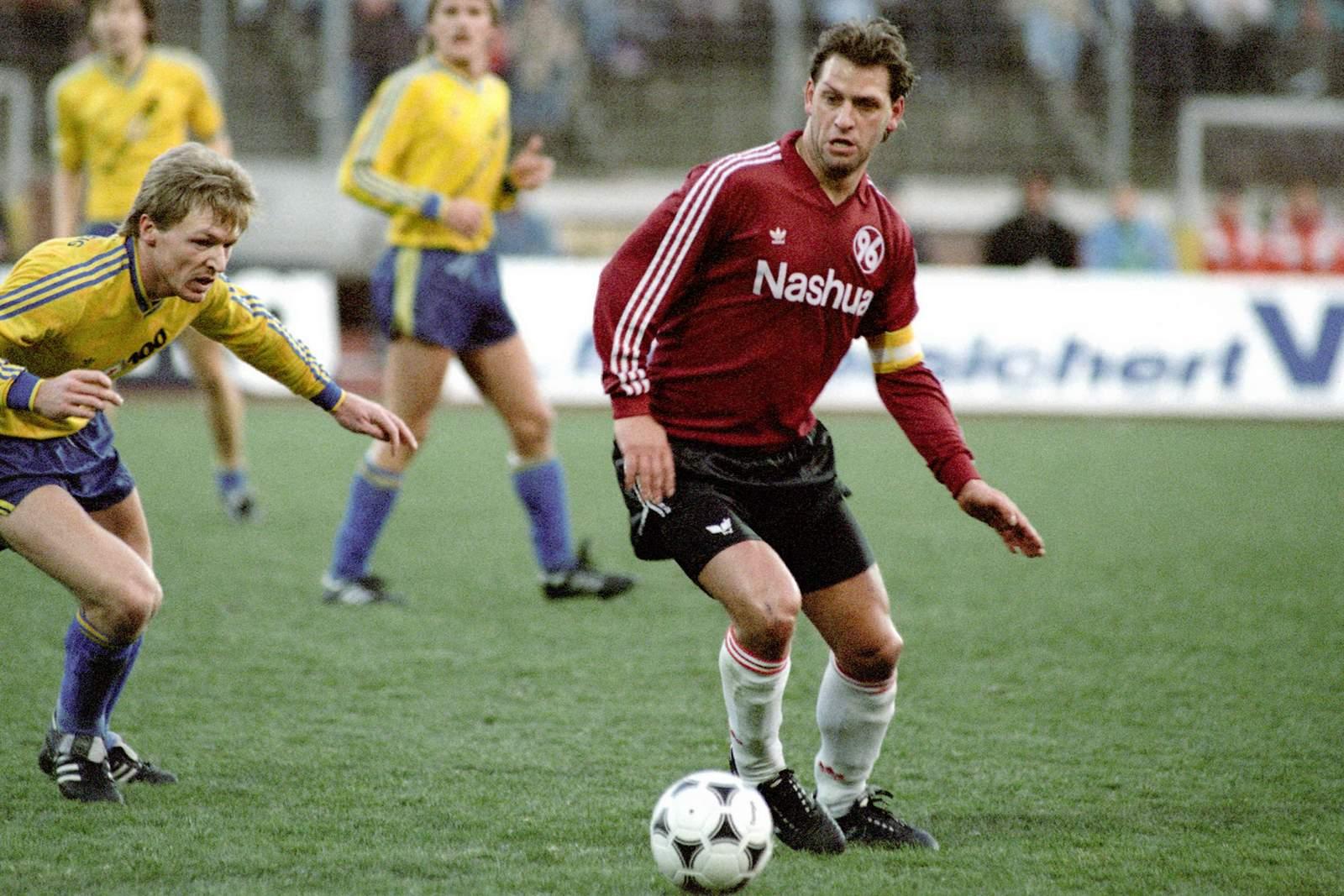 Frank Pagelsdorf von Hannover 96 im Spiel gegen Eintracht Braunschweig