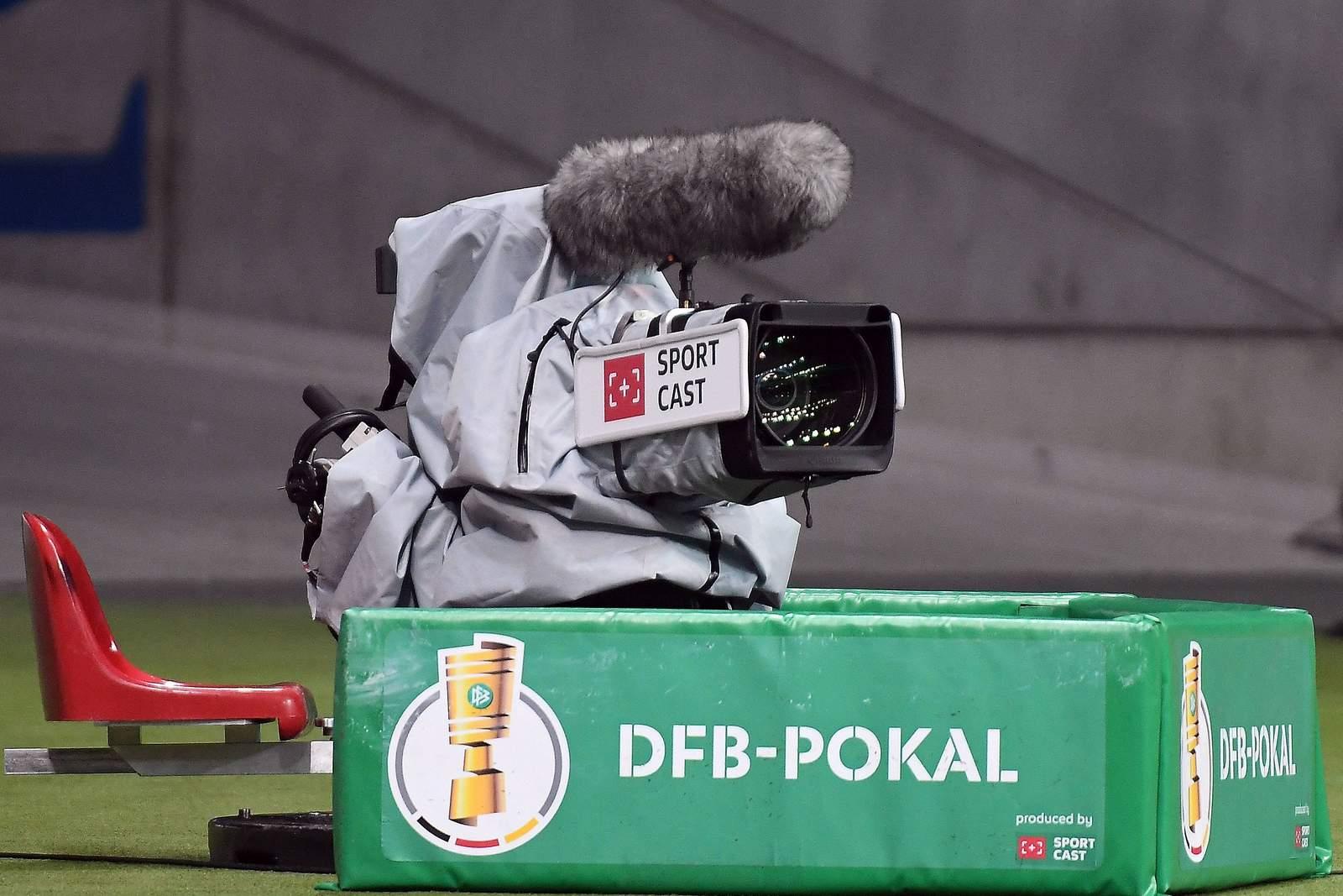 TV-Kamera bei einem Spiel im DFB-Pokal