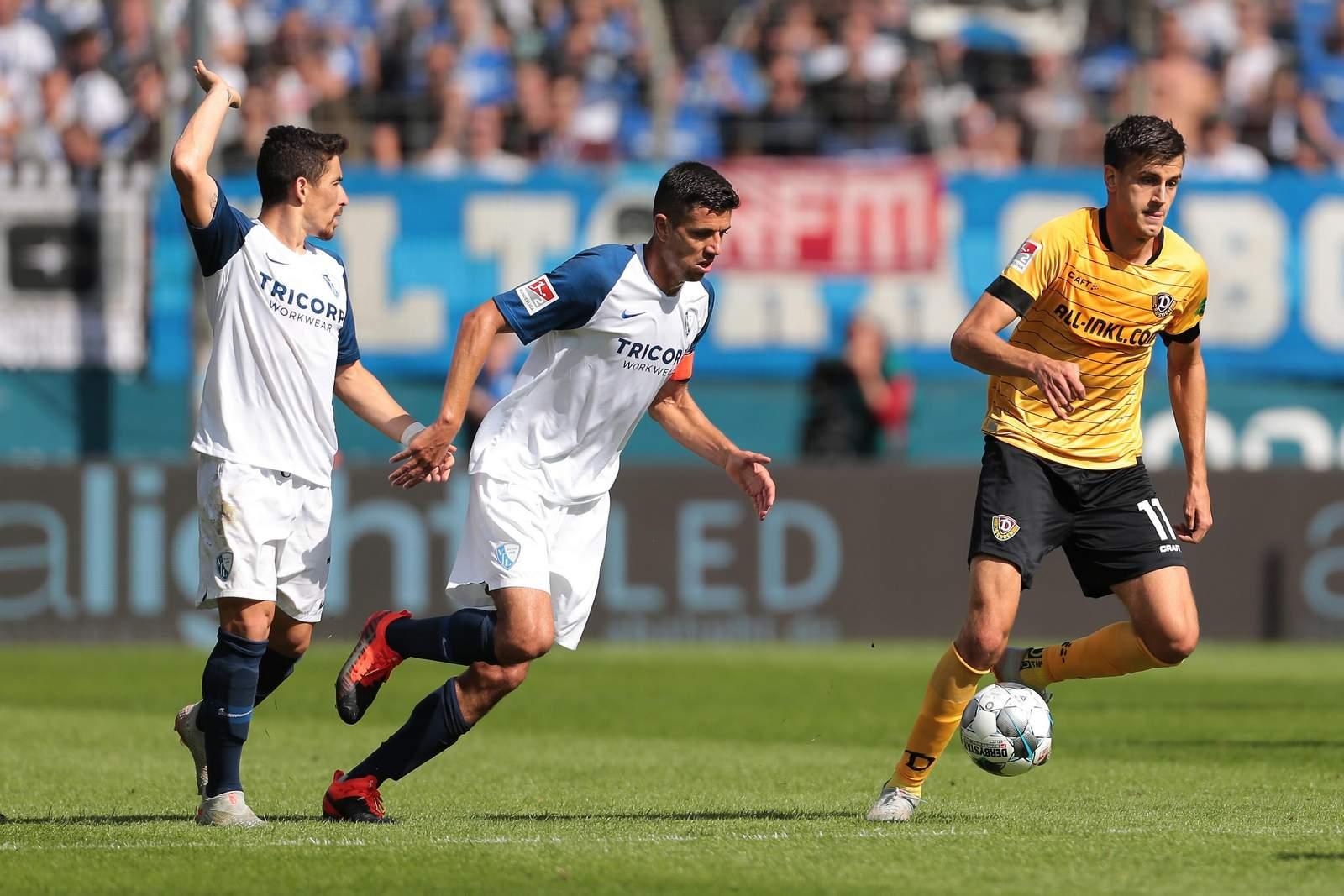 Anthony Losilla (m.) gegen Dresden.