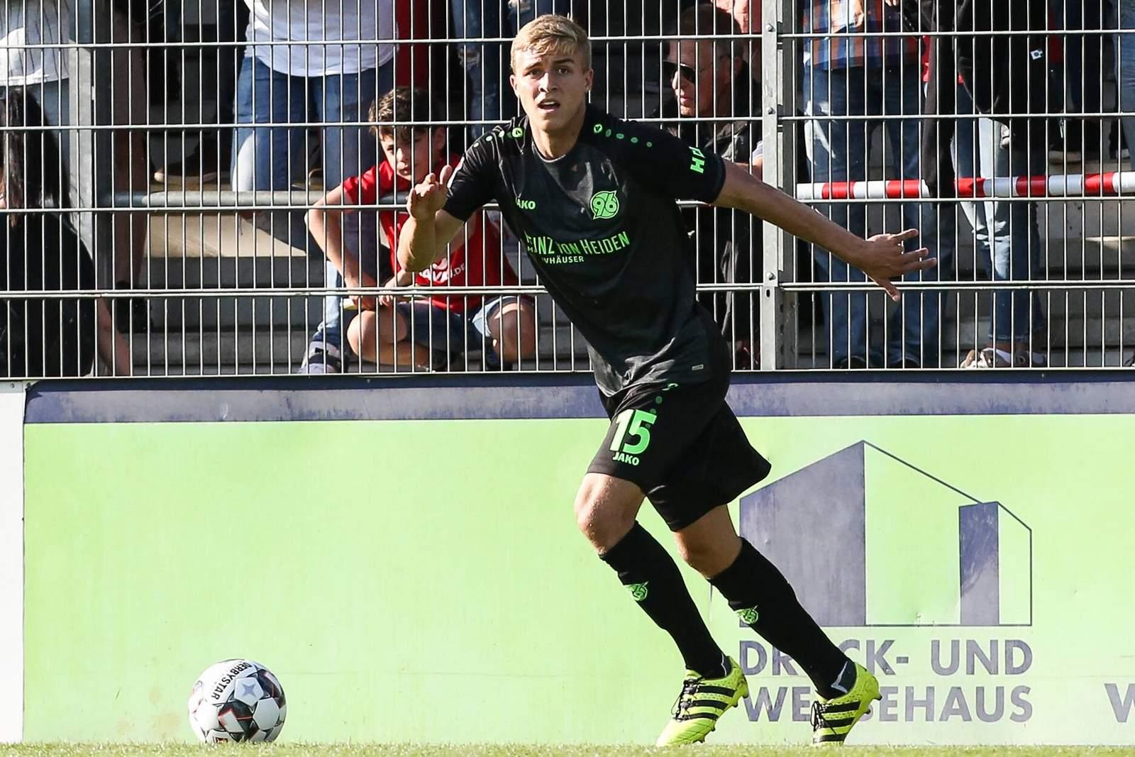 Timo Hübers im Test gegen Havelse.