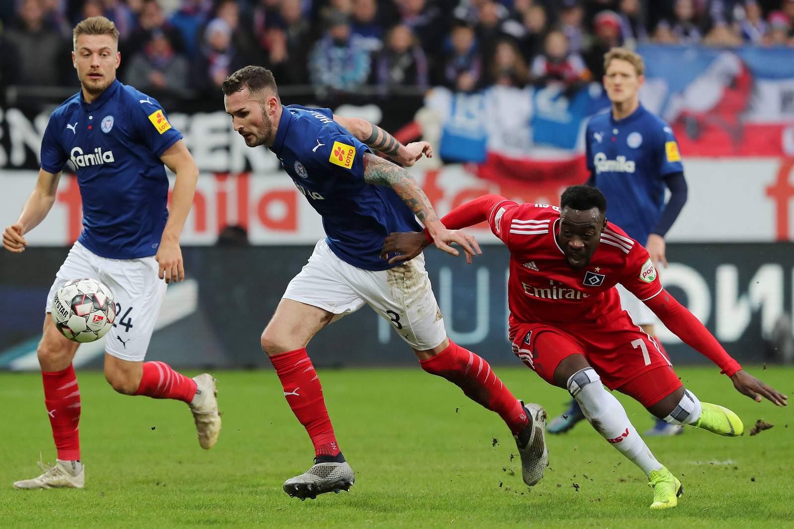 Setzt sich Schmidt gegen Narey durch? Jetzt auf Holstein Kiel vs HSV wetten