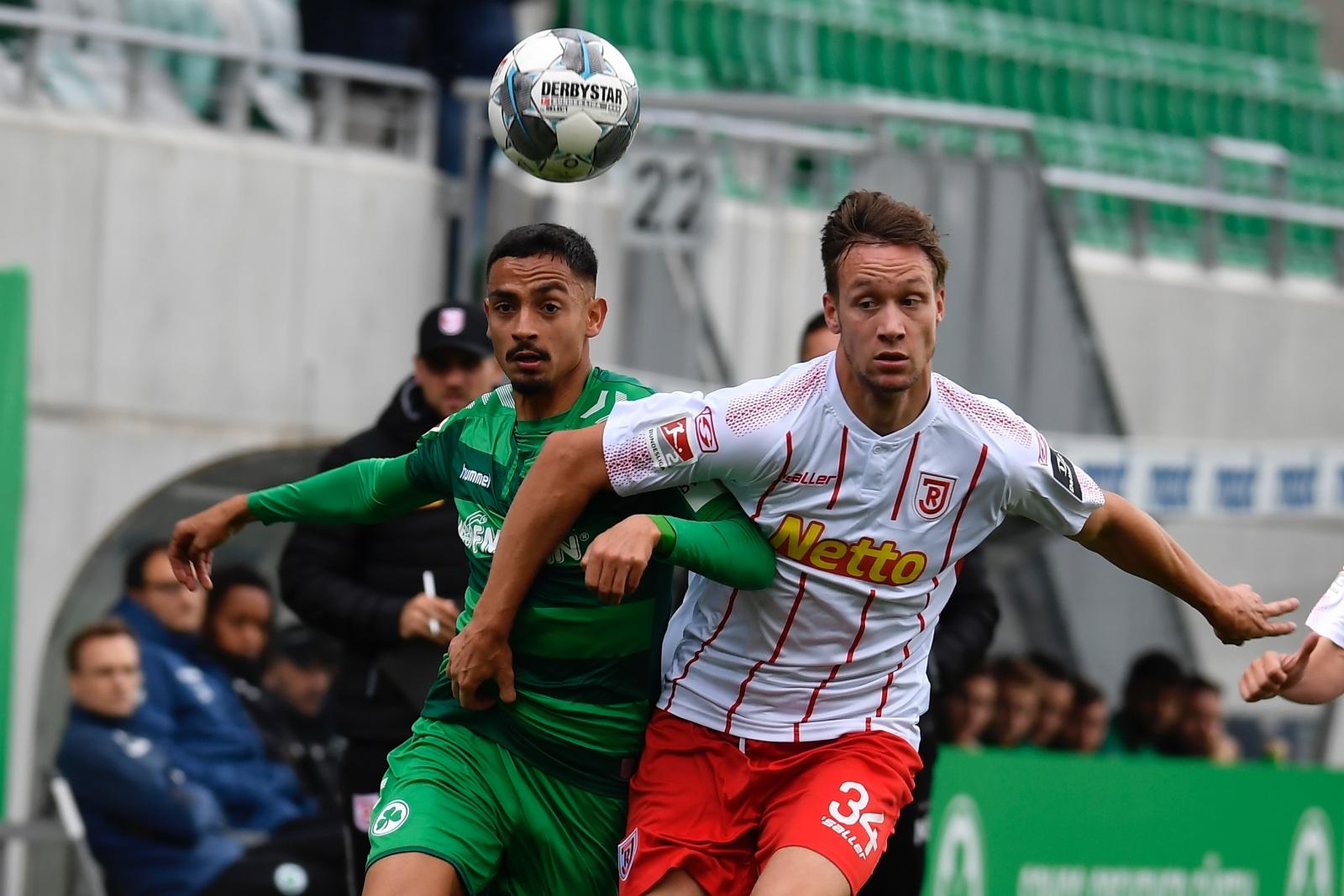 Kenny Prince Redondo von Greuther Fürth gegen Jahn Regensburg