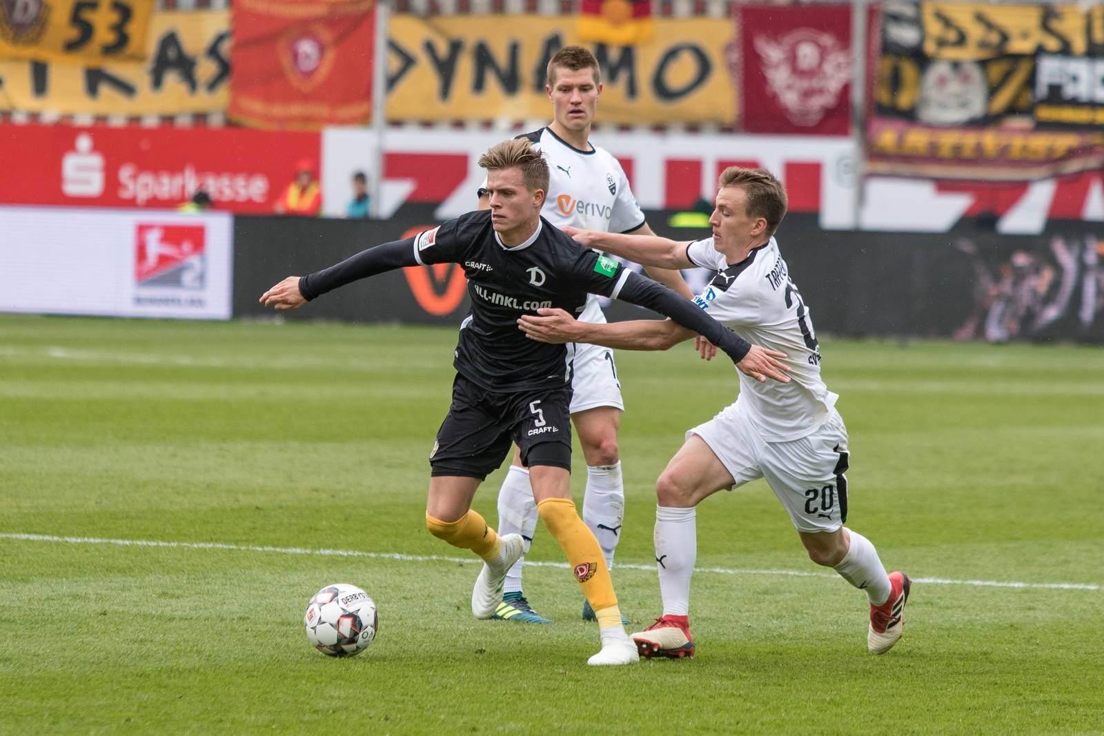 Dzenis Burnic gegen Emanuel Taffertshofer