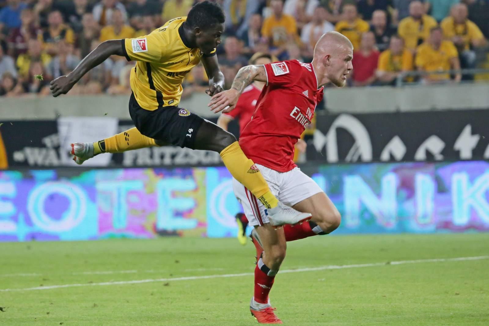 Setzt sich Kone gegen van Drongelen durch? Jetzt auf HSV gegen Dynamo wetten