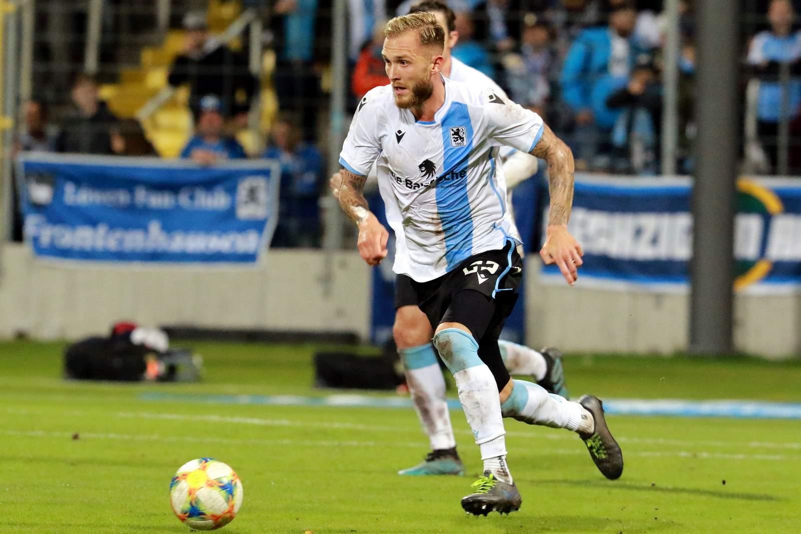 Tim Rieder im Derby gegen Unterhaching.
