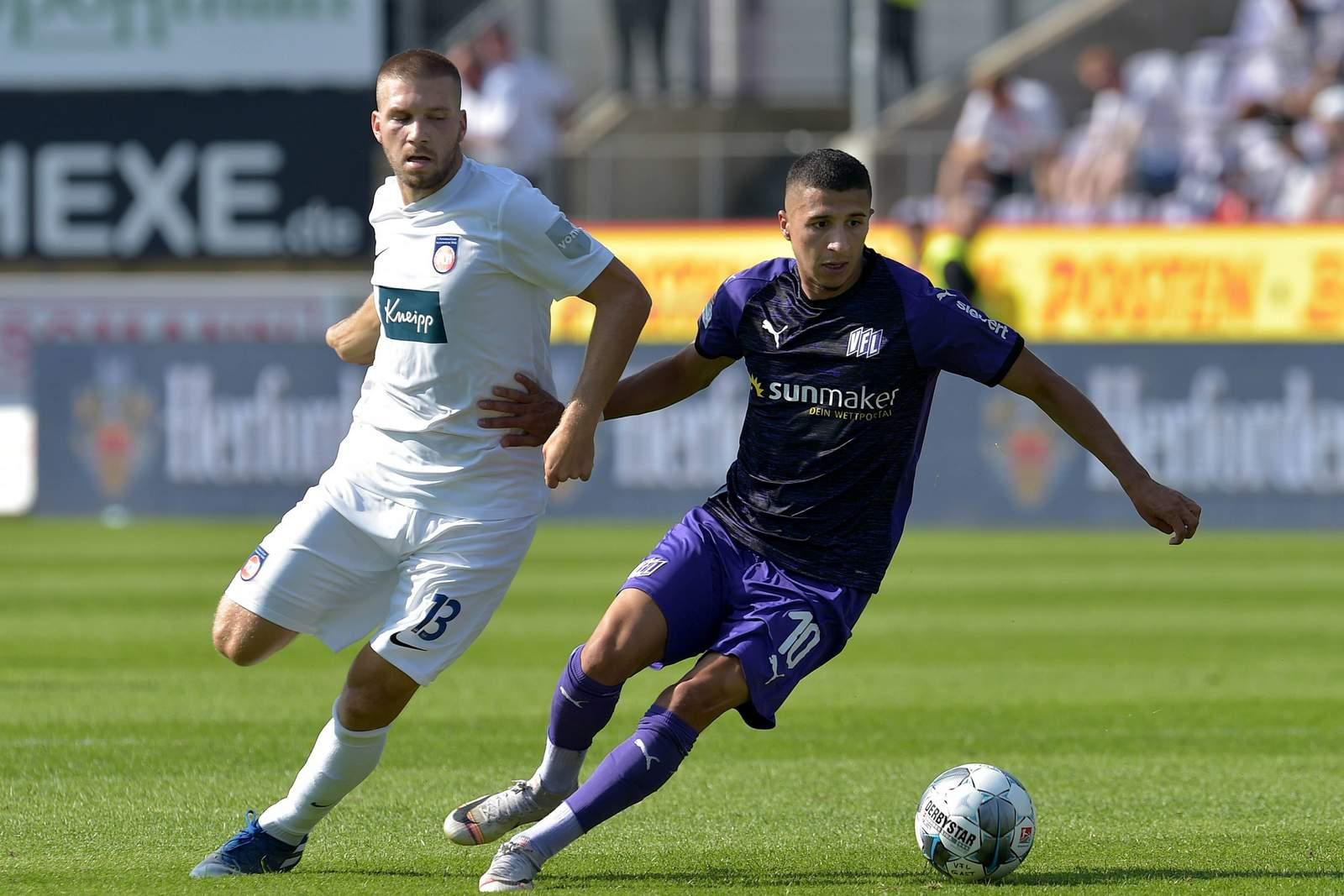 Anas Ouahim vom VfL Osnabrück gegen Robert Leipertz von Heidenheim