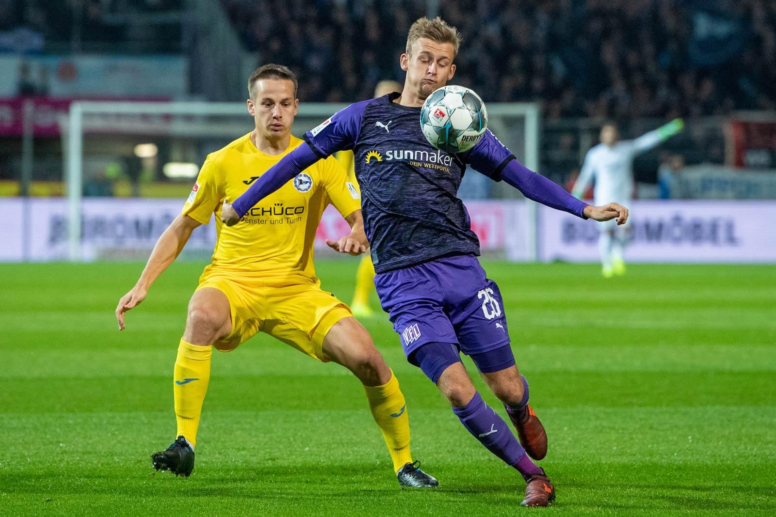 Sebastian Klaas am Ball für den VfL Osnabrück