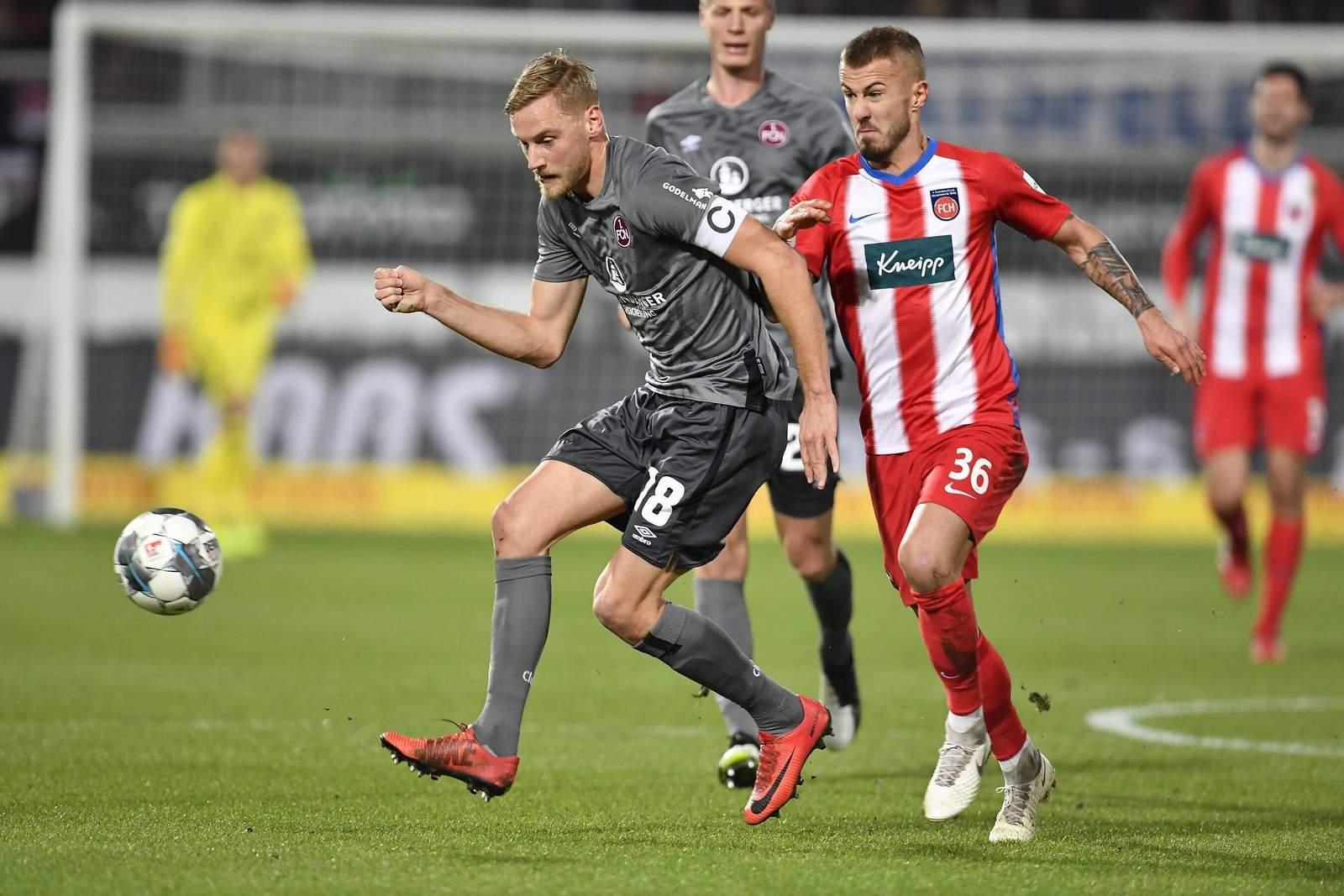 Hanno Behrens gegen Niklas Dorsch.