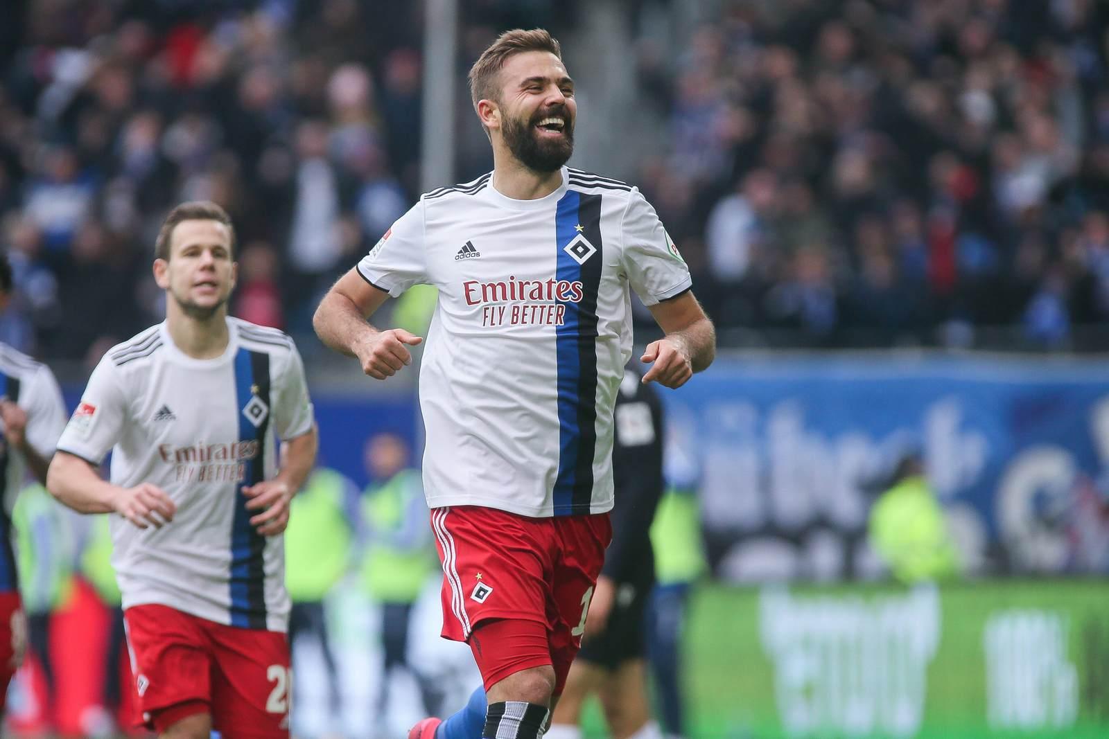 Lukas Hinterseer jubelt für den HSV