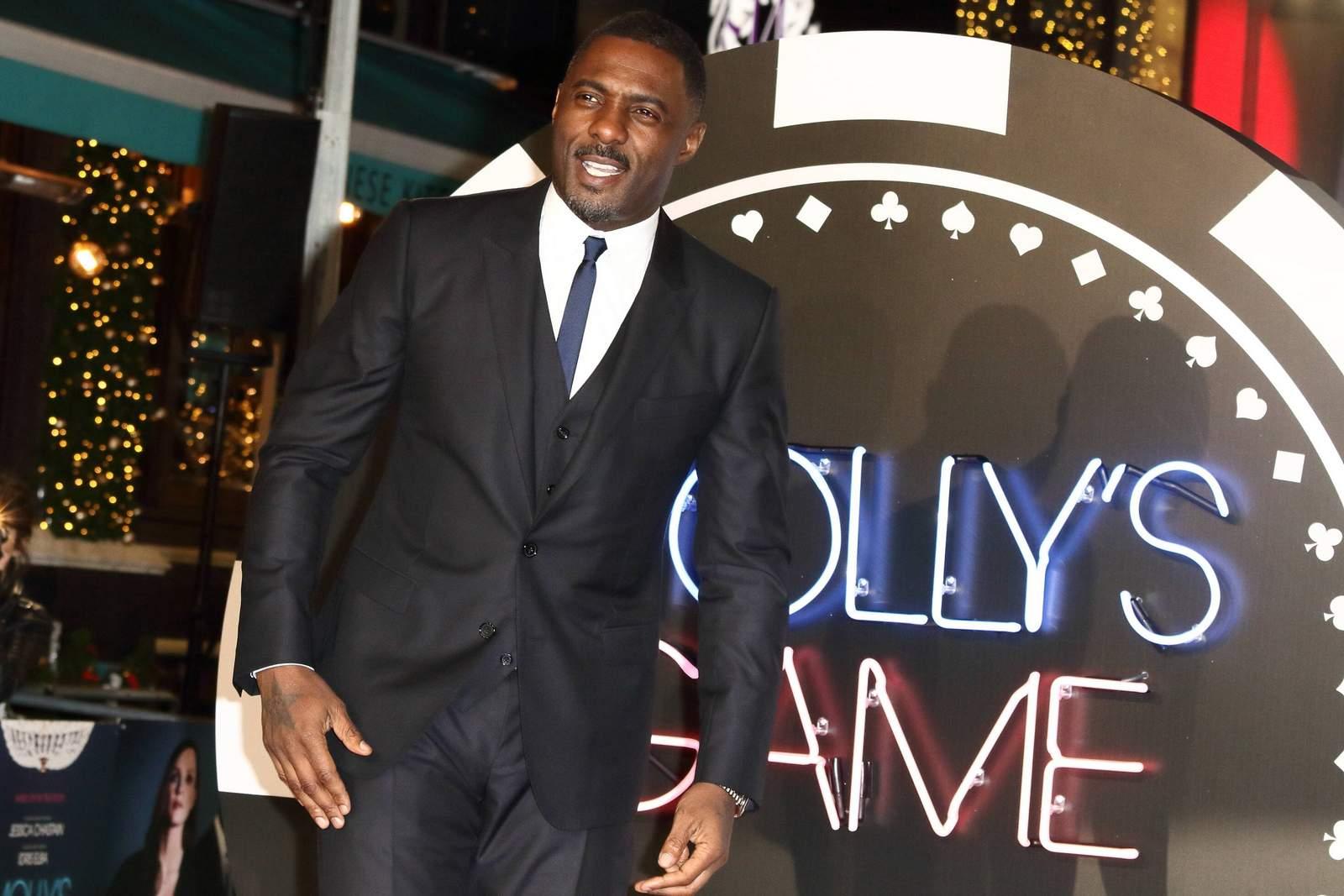 Idris Elba auf de roten Teppich.