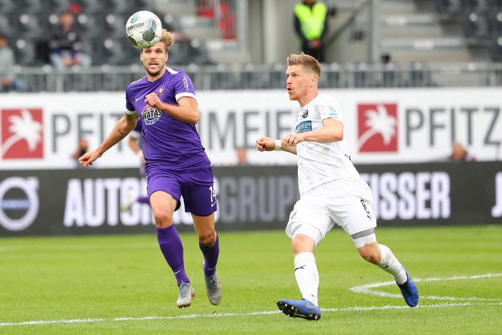 Philipp Zulechner (l.) gegen Denis Linsmayer
