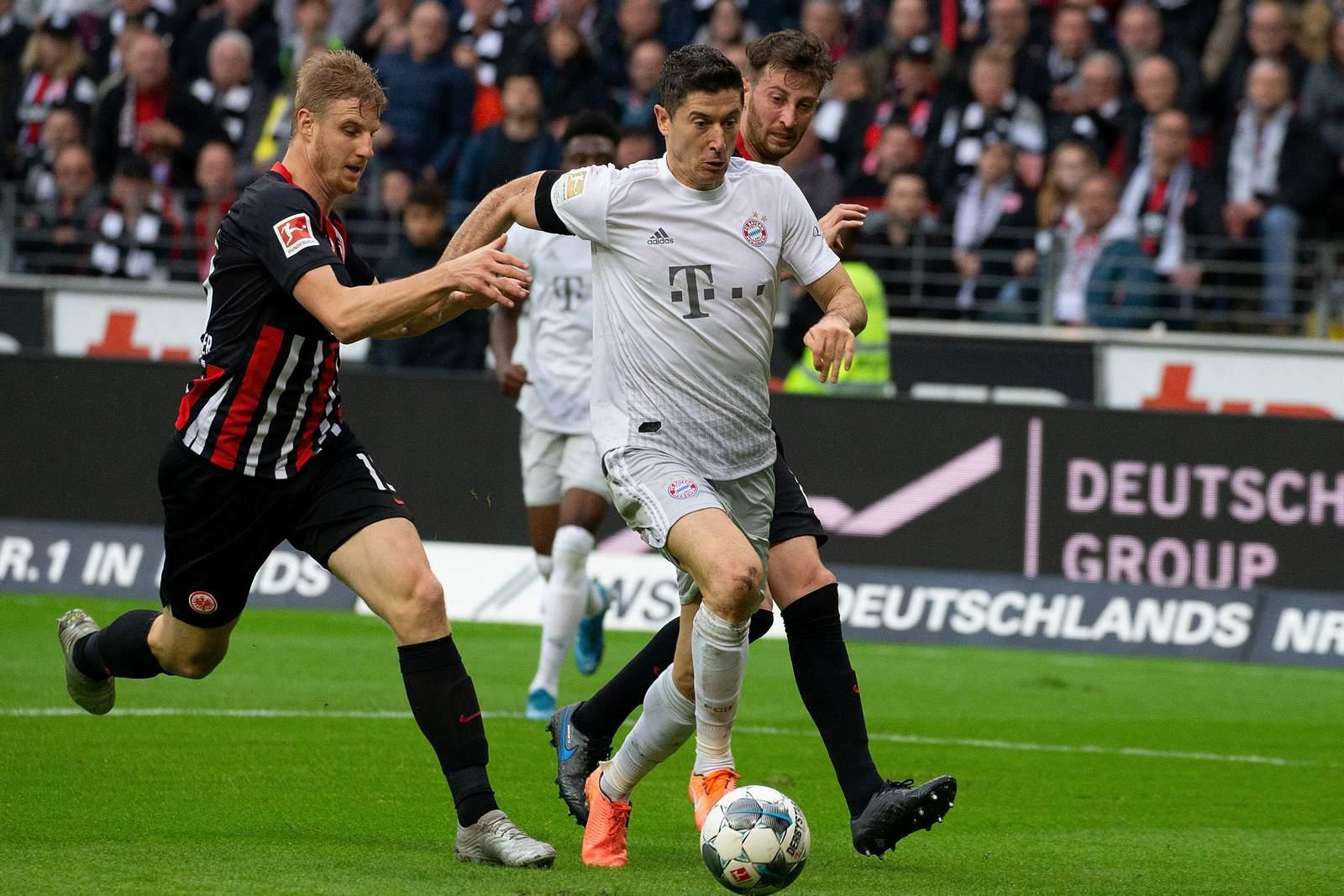 Martin Hinterwegger gegen Robert Lewandowski. Jetzt auf Bayern gegen Frankfurt wetten!