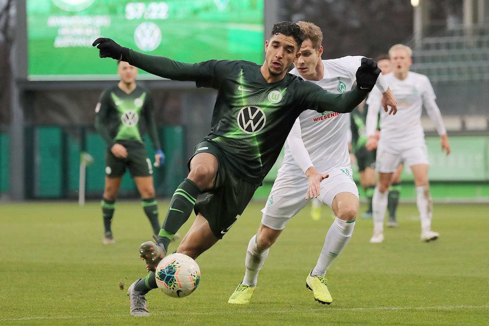 Omar Marmoush (l.) im Spiel gegen Werder Bremen II.