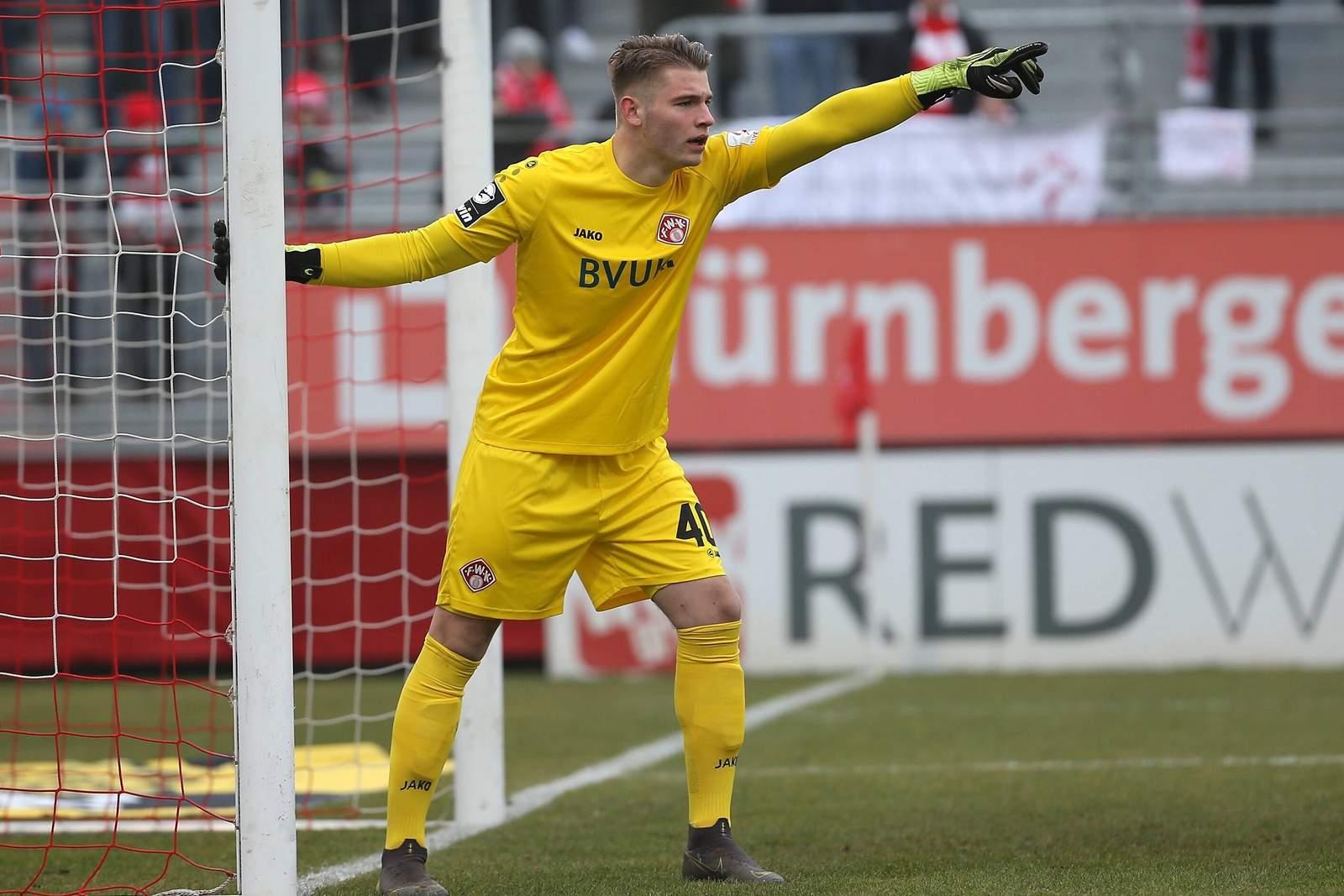 Torwart Vincent Müller von den Würzburger Kickers