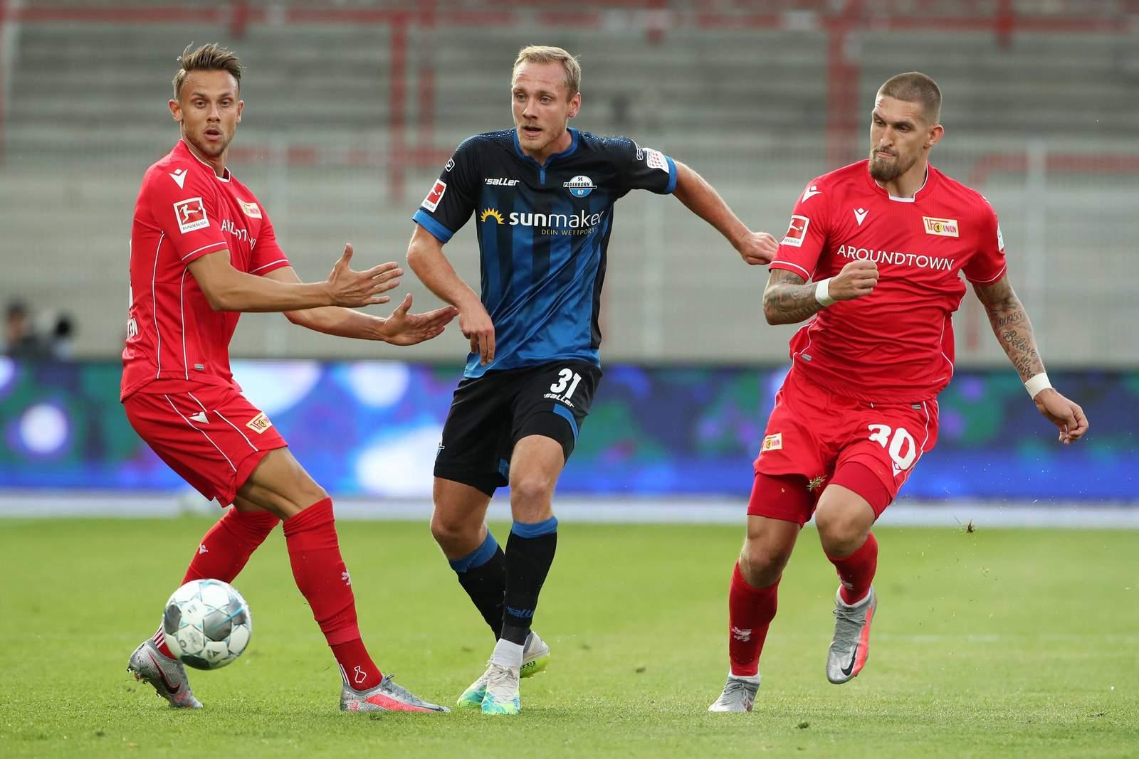 Ben Zolinski (m.) im Bundesliga-Spiel gegen Union Berlin.