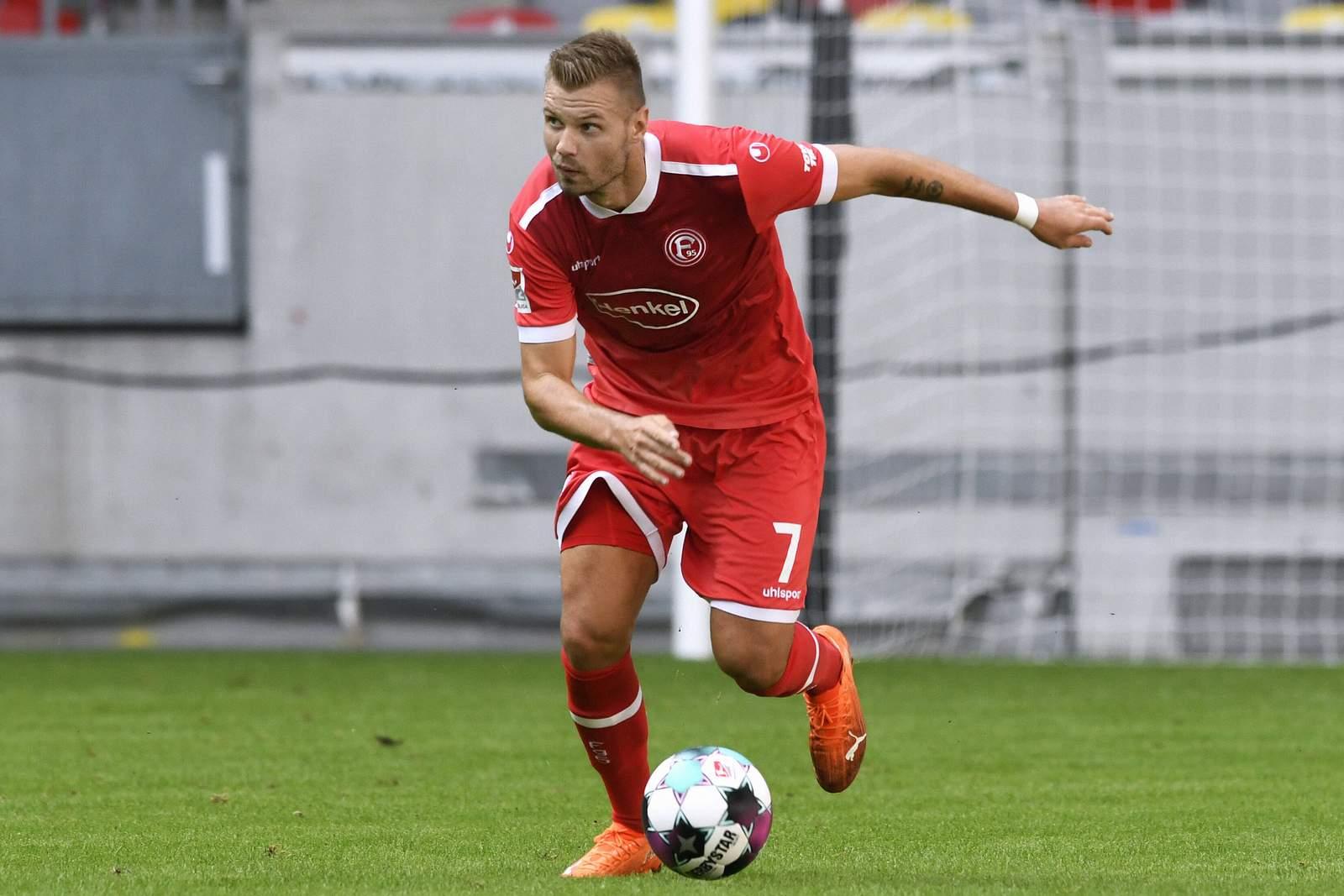 Florian Hartherz am Ball.