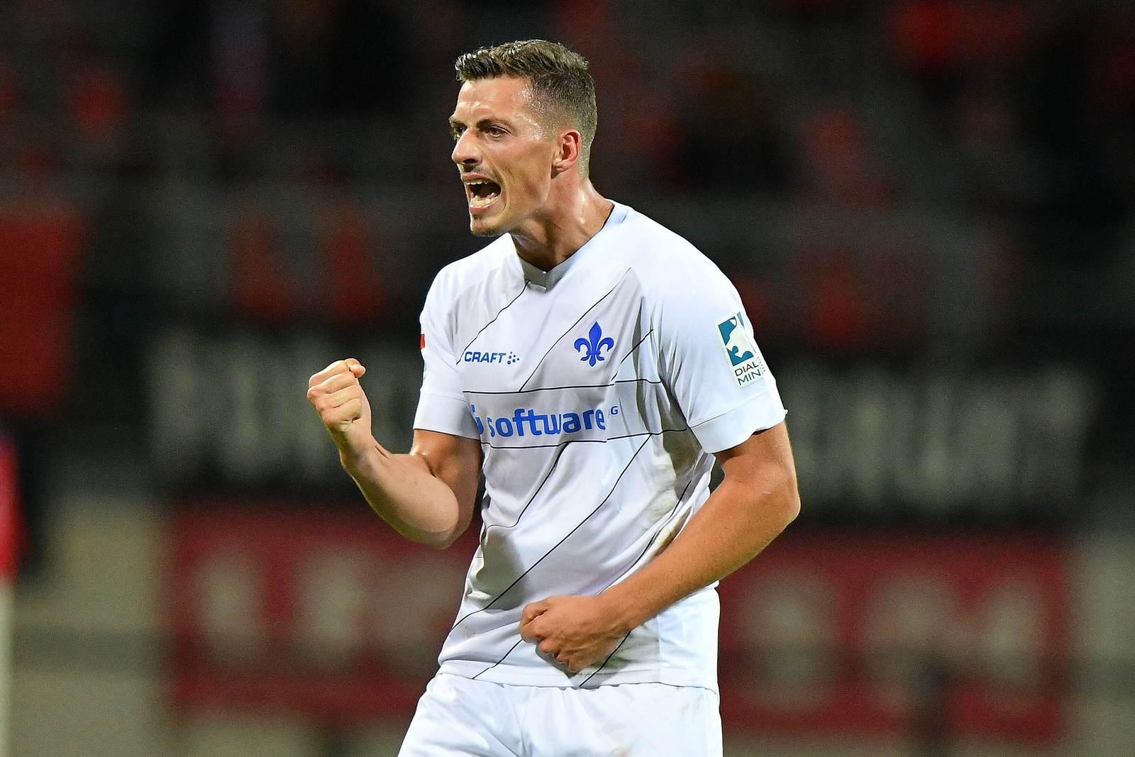 Nicolai Rapp bejubelt seinen Treffer gegen Nürnberg.