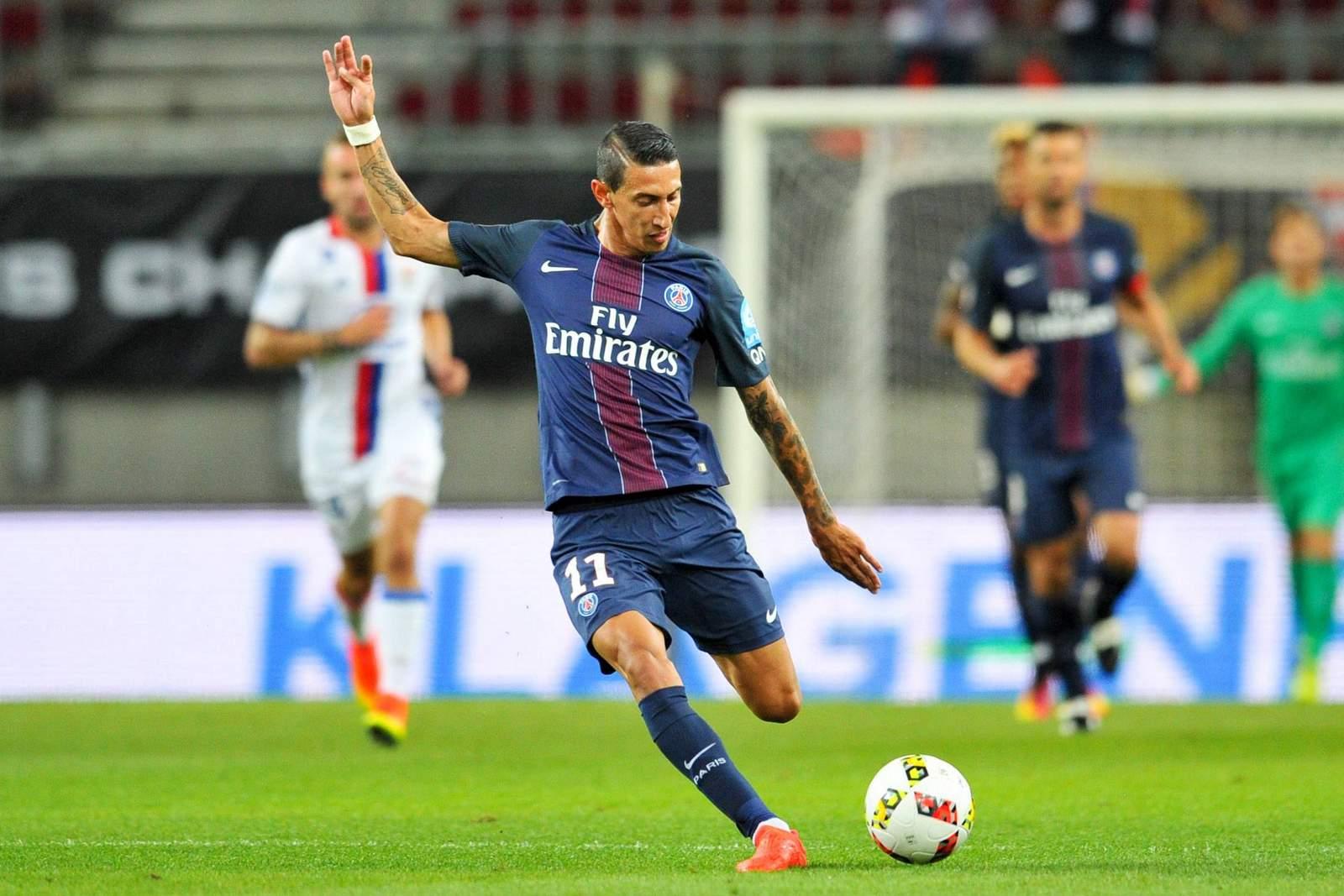 Angel di Maria mit einem langen Schlag. Jetzt auf PSG gegen Lyon wetten!