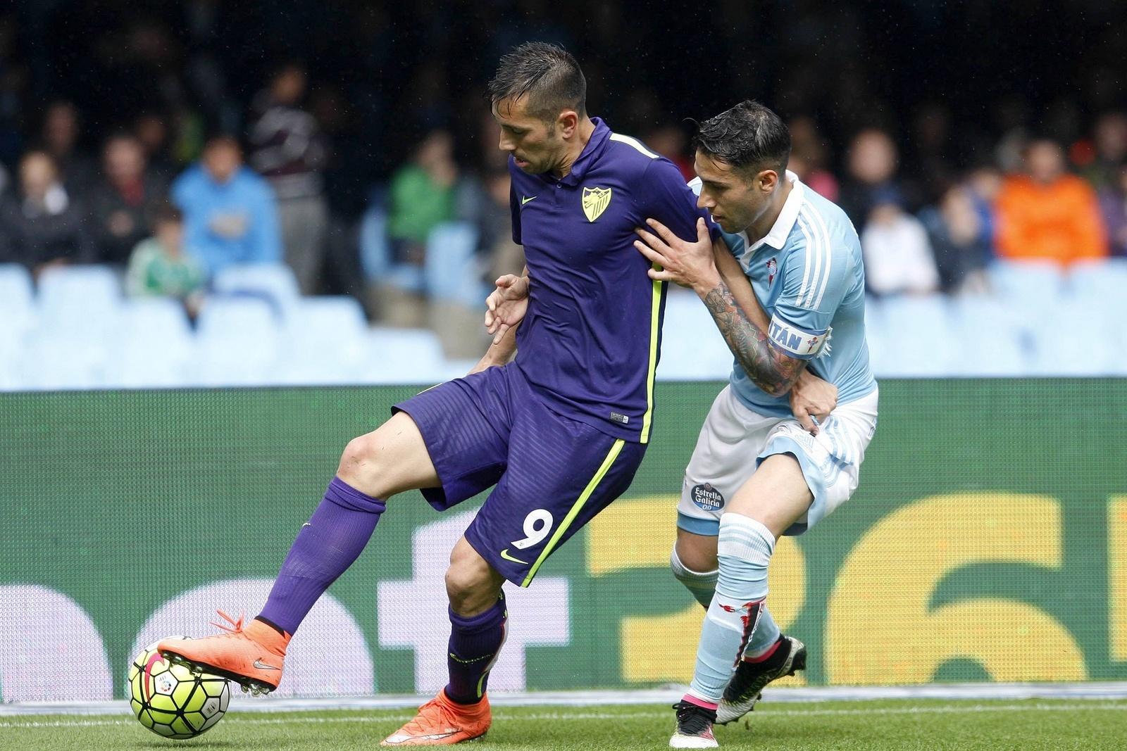 Charles hält sich Hugo Mallo vom Leib. Jetzt auf Celta Vigo gegen FC Malaga wetten!